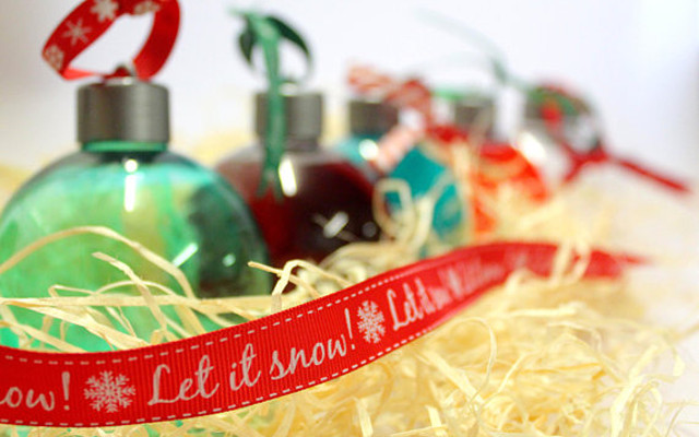 Refillable christmas boozy baubles