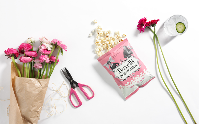 Tyrells Sweet Salty Poshcorn Popcorn Gin Tonic Flowers