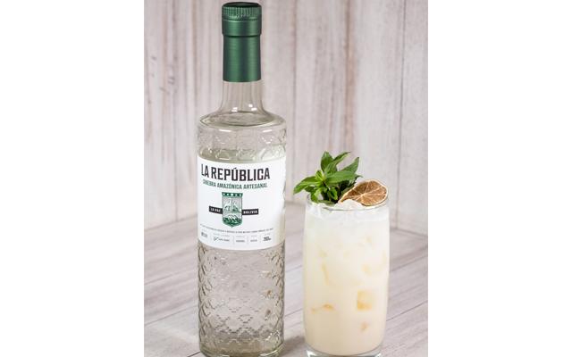 la+republica+gin+eucalyptus+fizz+gin+cocktail.png