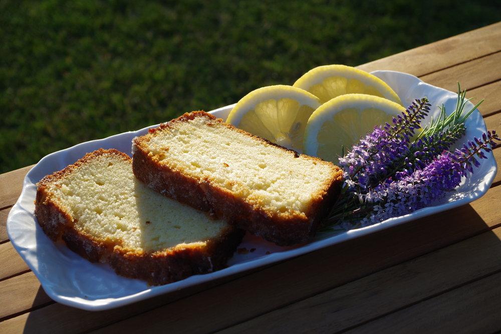gin loaf cake.jpg