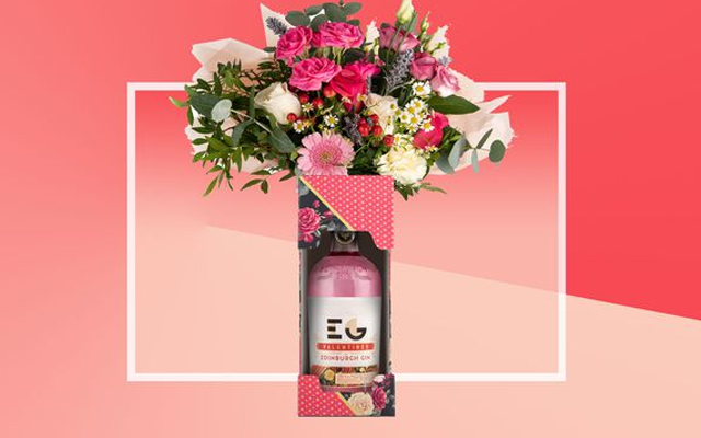 edinburgh+gin+and+flowers+bouquet.png