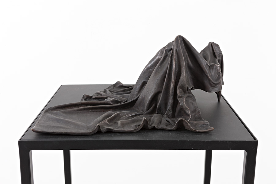 Silent Codes II (2015) Bronze on steel and mdf table.  Sculpture: 18 x 40 x 40 cm, table: 100 x 45 x 45 cm.