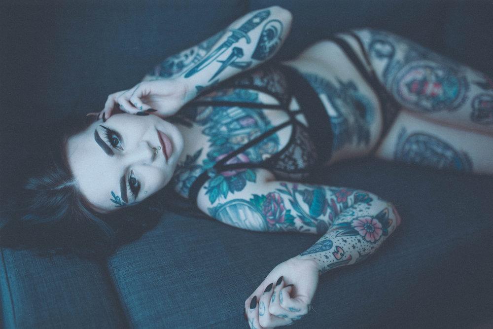 holli lingerie (5).jpg