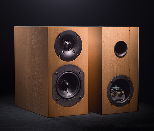 - After some years of waiting we decided to reintroduce the Mini in our product portfolio.The Mini is a loudspeaker that was present longer time in the story of Blumenhofer. It was sometimes called Mini, then Satellite Mini and so on. The basis project never changed: a 2 way loudspeaker with a 10cm woofer in a rear ported bass reflex cabinet.The Mini has been already awarded in the past in France by the Haute Fidélité magazine the Best Buy award.The only one in this class that can be driven by tube amplifier