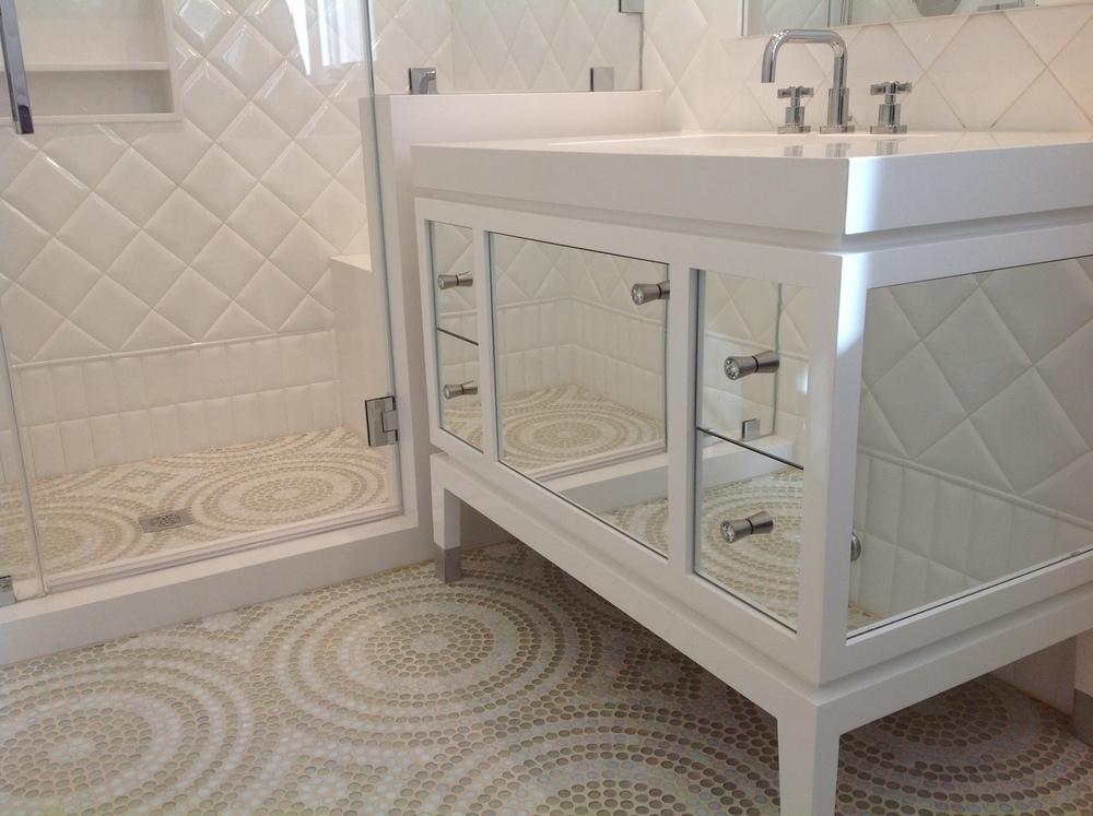10-MA- Girls White bathroom.jpg