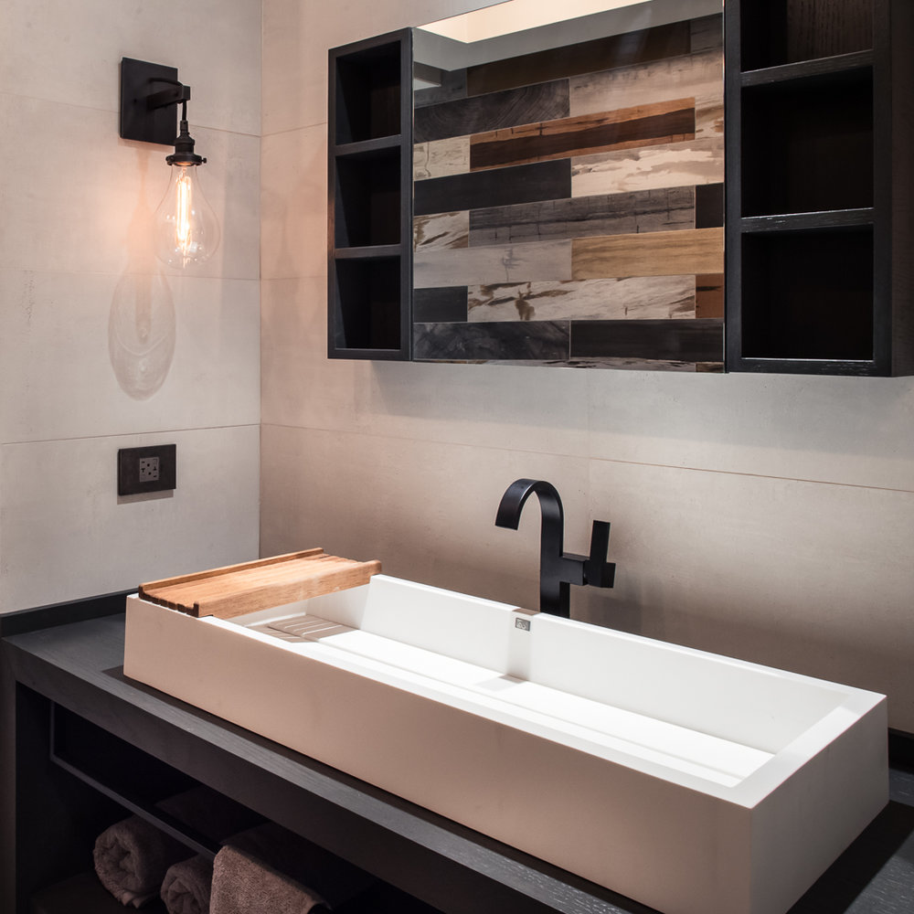 8-Alfano Sink and light and legrand.jpg