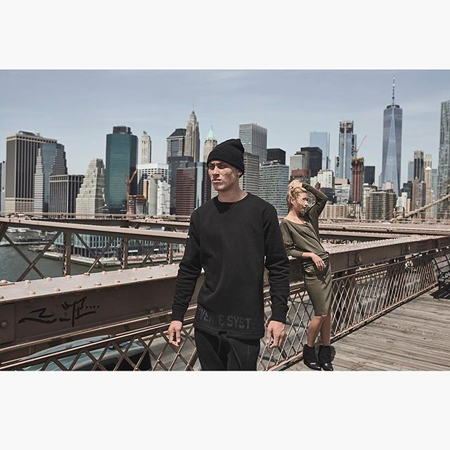#tb from a streetwear campaign I shot a while ago in NYC  #couple #brooklynbridge #streetwear #streetstyle #nycstreetstyle #nycphotographer #ignyc #nycstyle #nycstreets #streetwearphotography #photographer #lifestylephotography