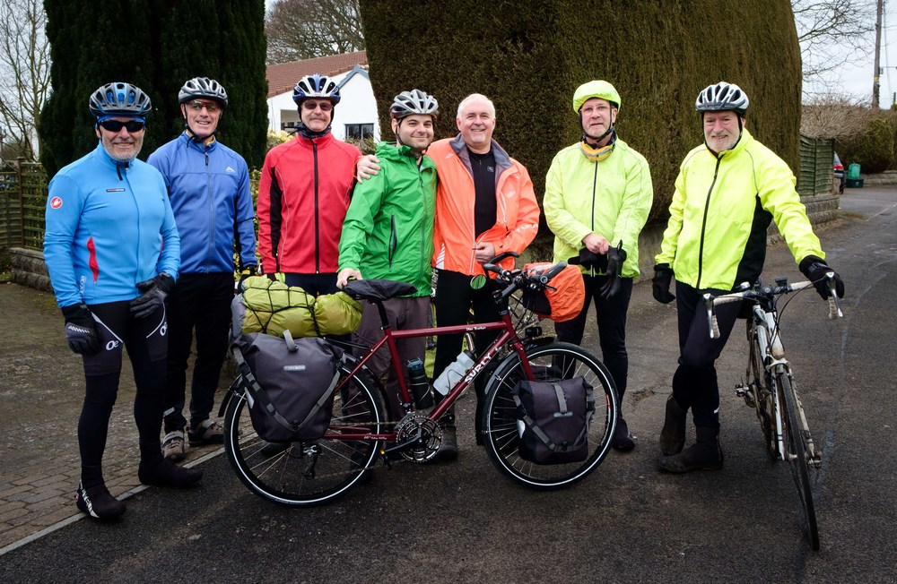 Nick, et son groupe « expérimenté » de cyclistes.