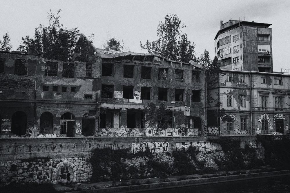 Édifices détruits au cœur de la capitale.
