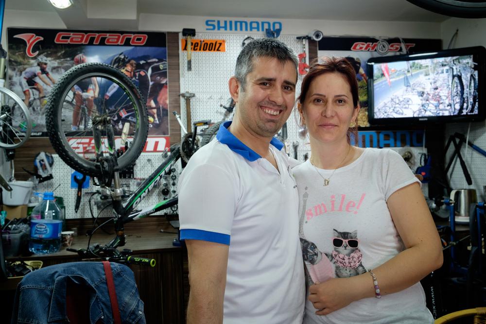 Kerim, et son épouse Özlem, à Luleburgaz.