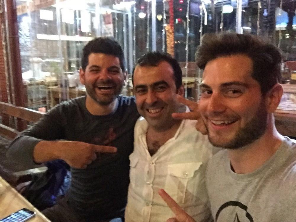 En compagnie de Zafer et de mon frère Sacha.