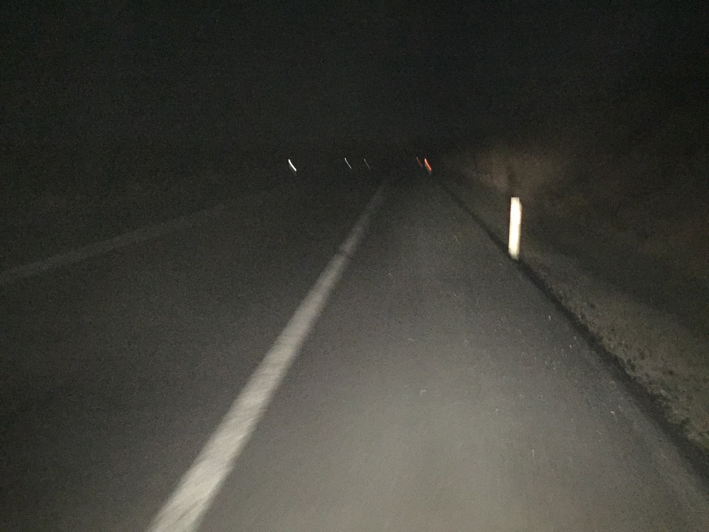 Bravo pour rouler dans le noir.