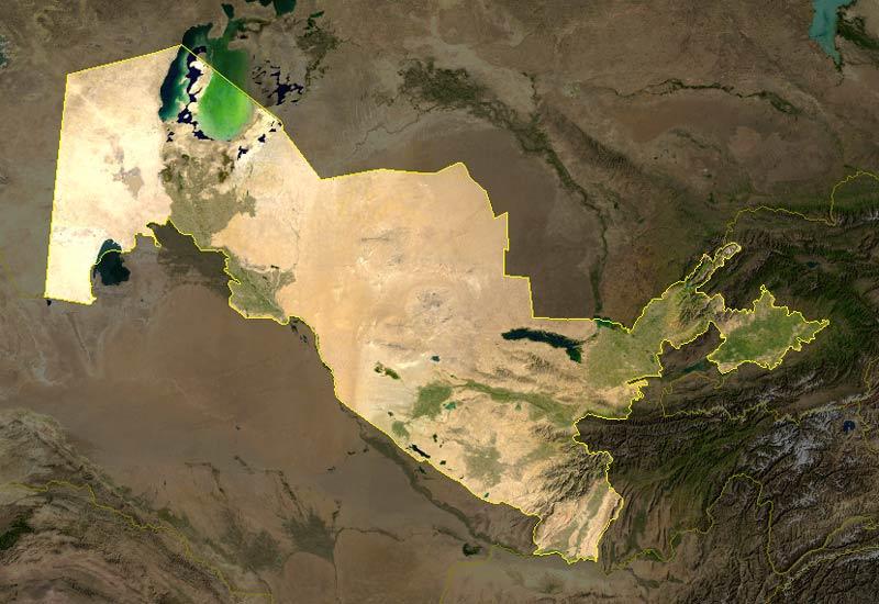 Image satellite de l'Ouzbékistan. Khiva se trouve dans l'oasis à l'ouest du pays.