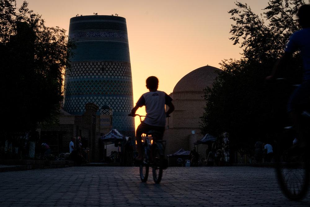 Pour la première fois depuis de très nombreux pays, je croise des vélos partout. Enfants comme adultes s'en servent pour se déplacer.
