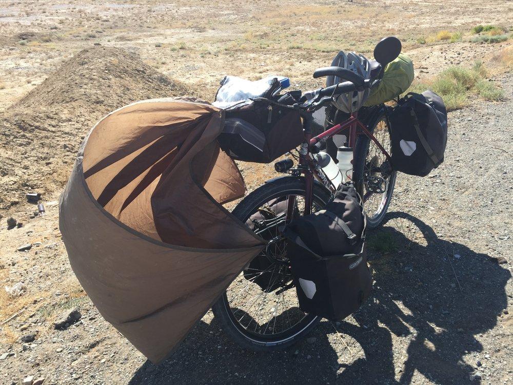 Troisième et dernier essai. Le tout pour le tout avec une partie de ma tente.