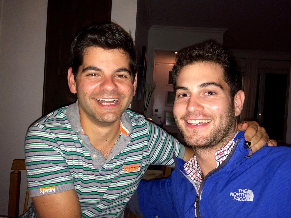 Les frères Jonathan et Sacha aujourd'hui.