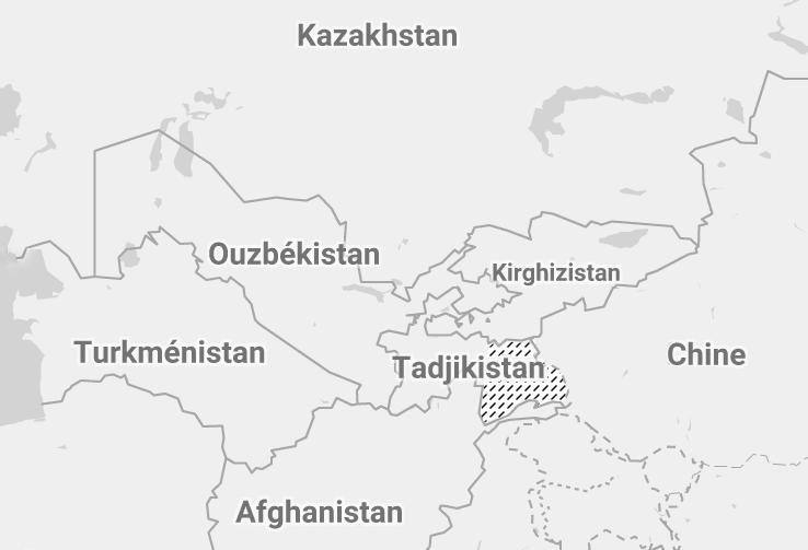 Le Pamir couvre principalement la partie est du Tadjikistan, mais déborde aussi au Kirghizistan, en Chine et en Afghanistan.