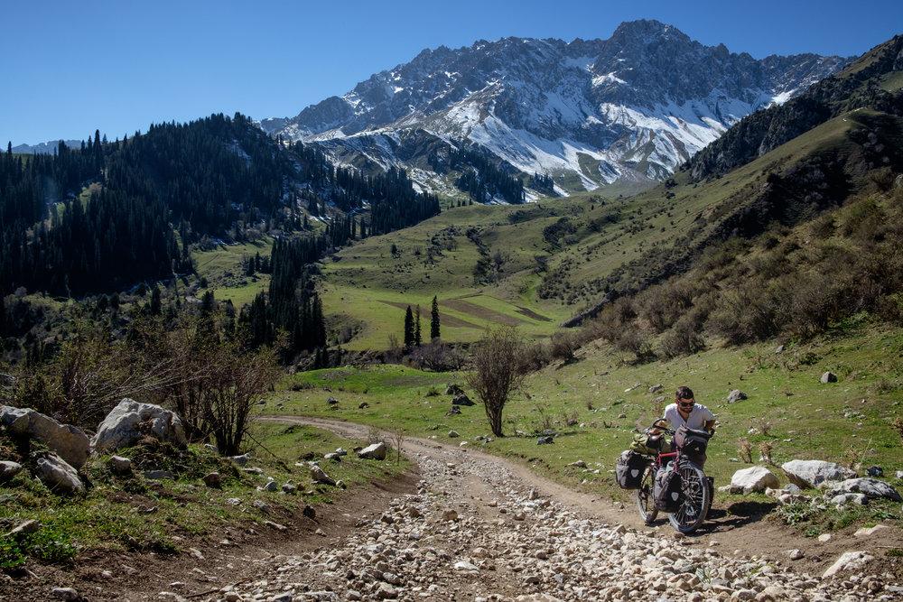 Une des nombreuses et difficiles montées sur ce sentier de montagne.