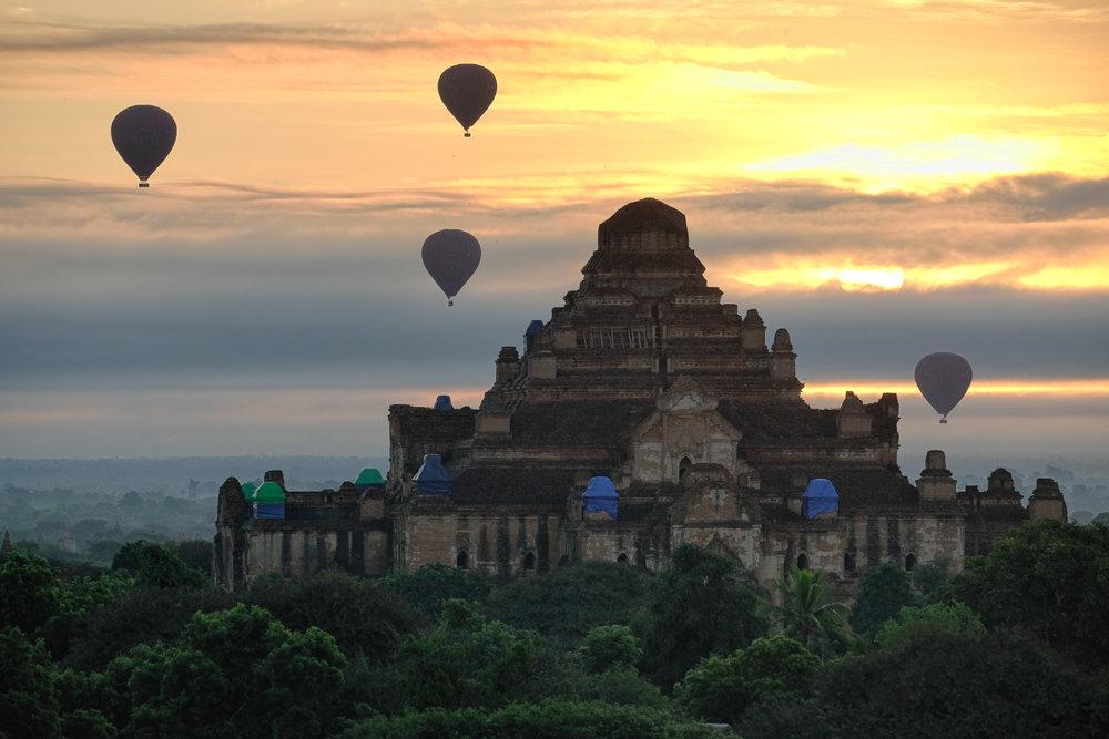 Quelques réparations sont en cours sur les temples les plus importants.