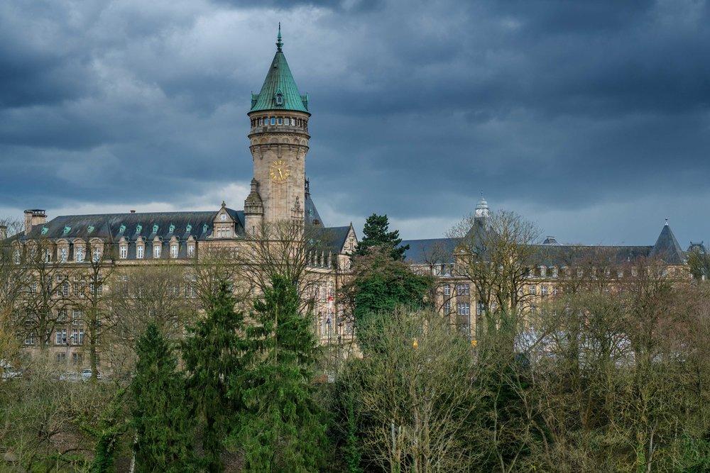 LUXEMBOURG - La campagne entourant une cité urbaine accessible. Un intéressant mélange de cultures sur un tout petit territoire.