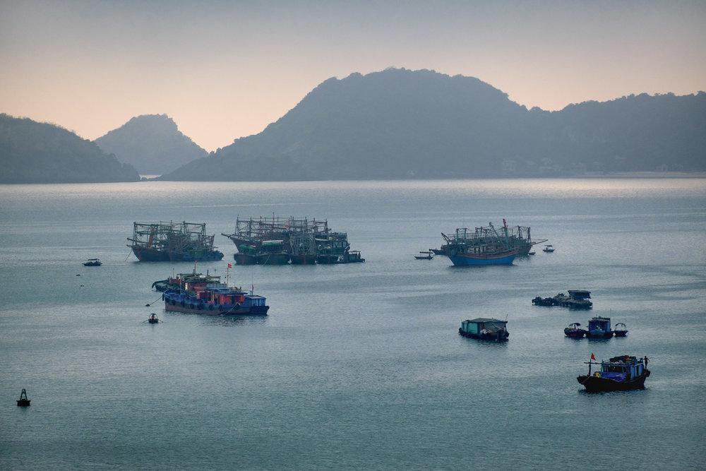 Baie de Cat Ba, dans le nord-est du Vietnam.