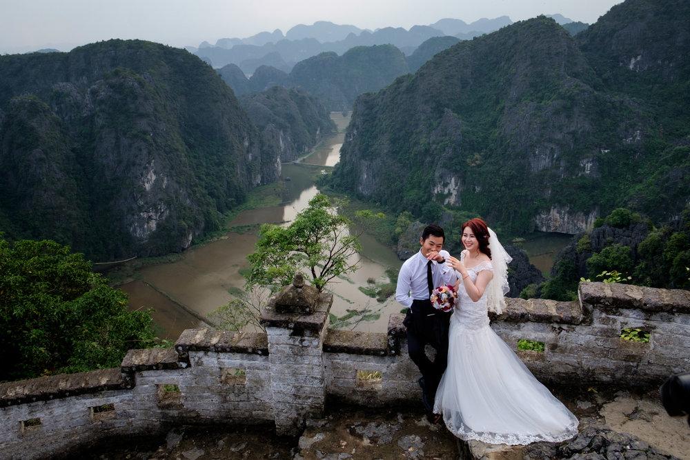 Mariage sur les hauteurs de Tam Coc.