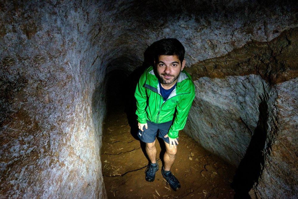 L'intérieur du tunnel de Vinh Moc, où même moi je dois me pencher.