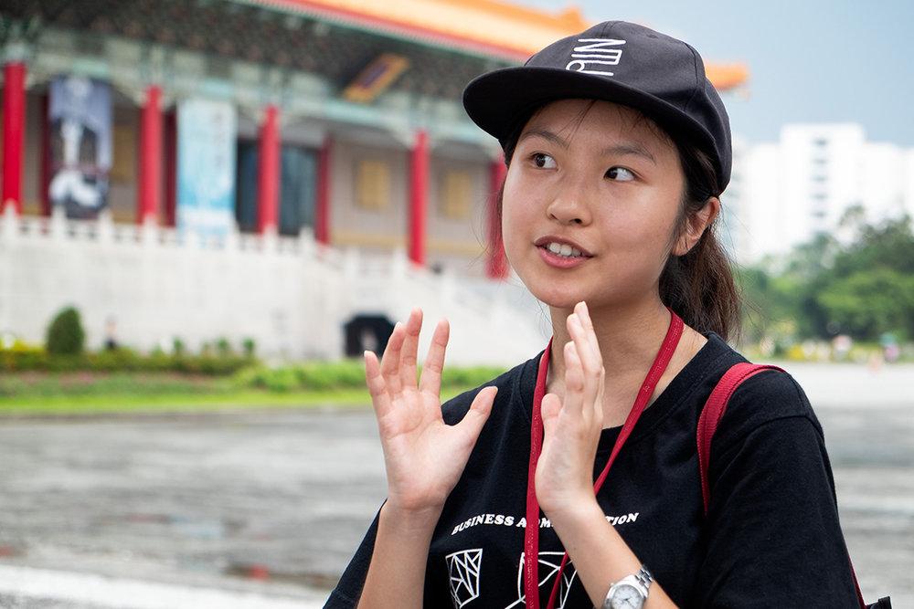 Nancy, guide touristique dans la capitale, qui m'en a beaucoup appris sur le sujet lors d'un tour de ville.