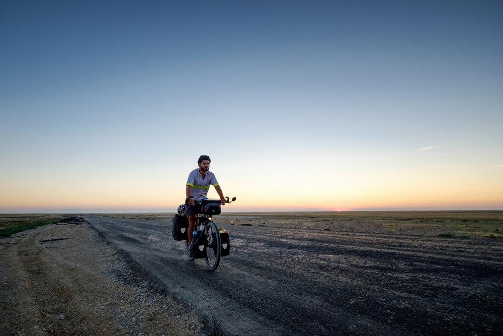 En plein milieu du désert à l'ouest du Kazakhstan.