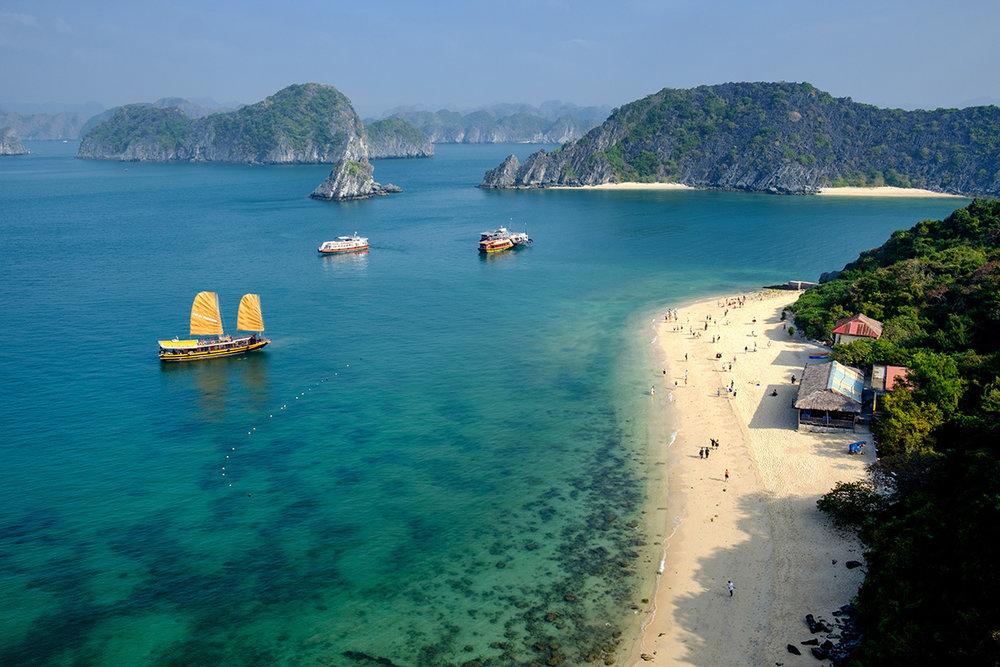 La fameuse baie d'Ha Long, au nord-est du Vietnam.