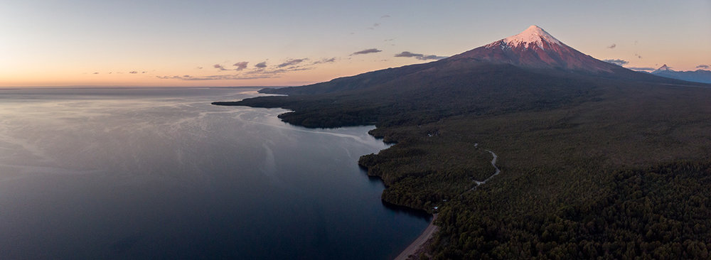 Le volcan Osorno sur les bords du lac Llanquihue.