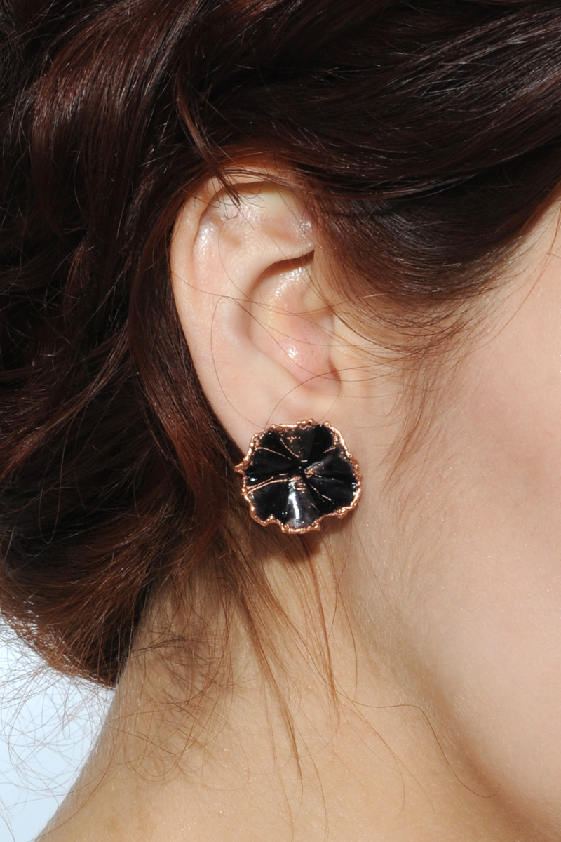 Earring_Black..jpg
