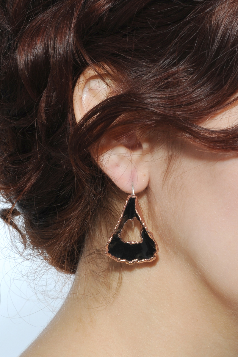 Earring_Black.jpg