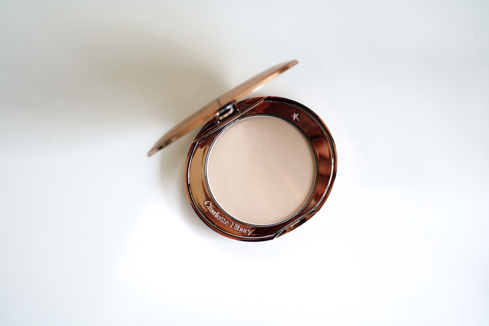 Charlotte Tilbury Air Brush Flawless Skin Perfecting Micro-Powder
