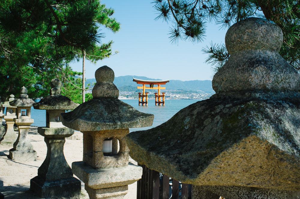 Wonderful beaches lined with stone lanterns.