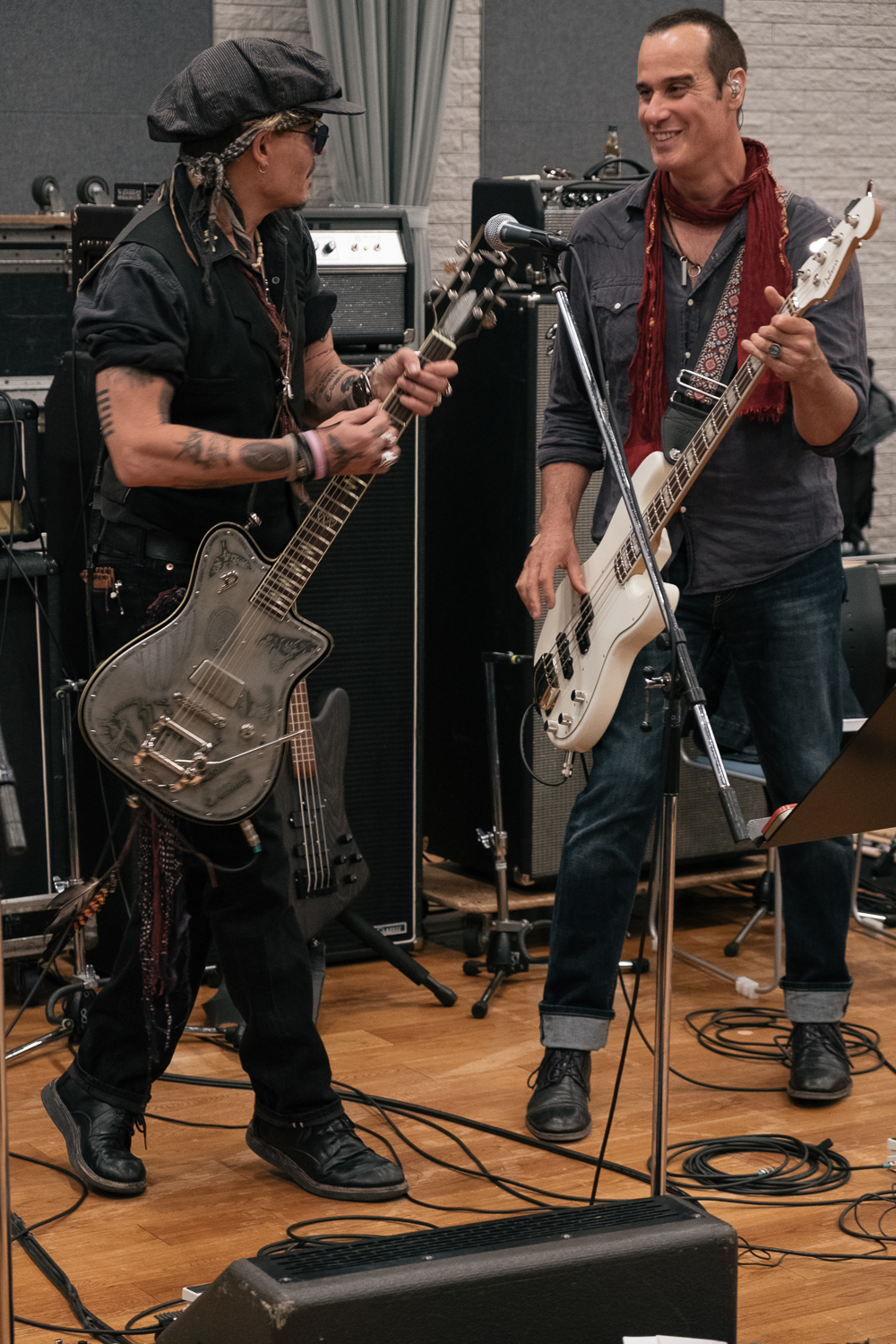 Johnny Depp and Robert DeLeo, Rehearsals for the Japan Classic Rock Awards