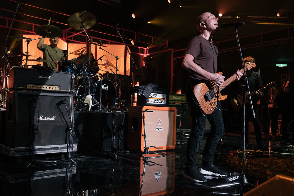 Phil Collen soundchecks ,  Japan Classic Rock Awards