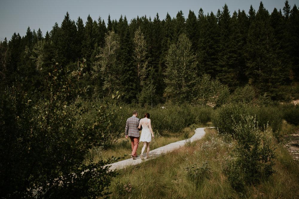 20170805-adventureelopementphotographercanada-canadaadventureelopement-adventureweddingphotographer-cedarlakewedding-goldenweddingphotographer-Rob and Dee-4134.jpg