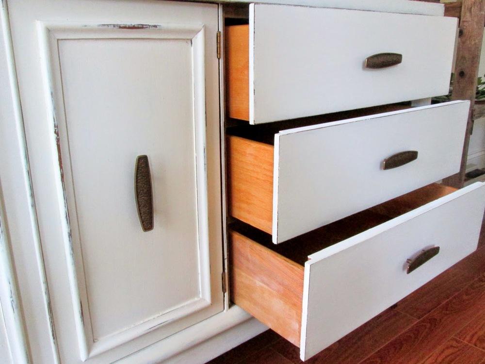 Old+White+MCM+sideboard5.jpg