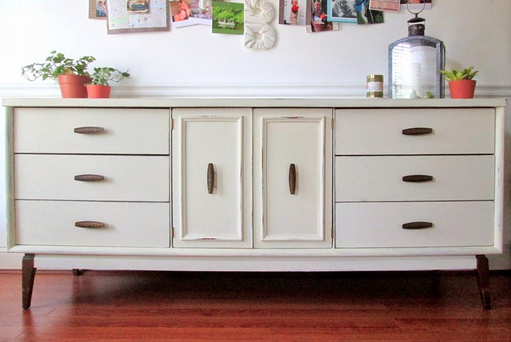 Old+White+MCM+sideboard1.jpg