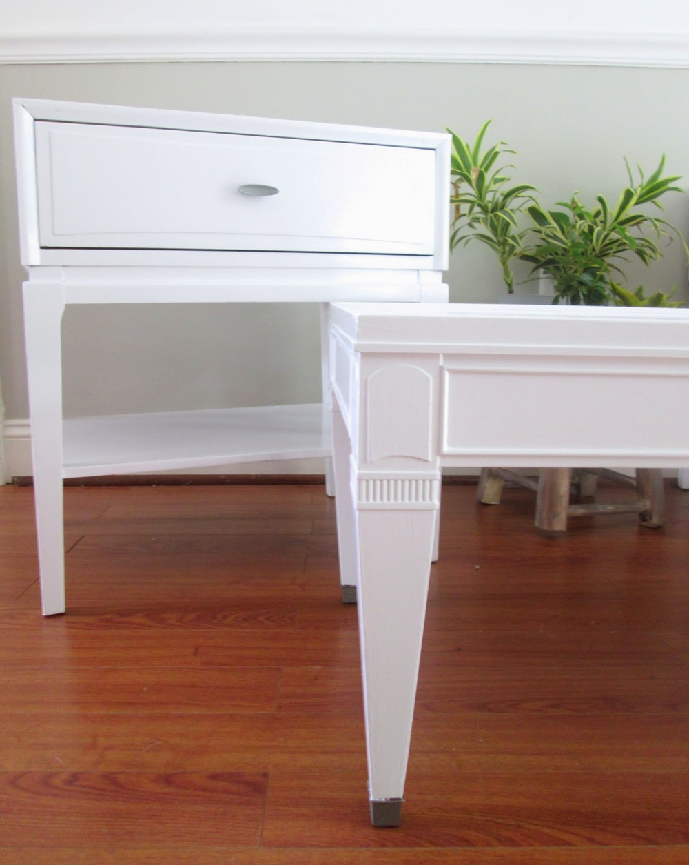 stunning white lacquer nightstand furniture. Seriously Stunning, Right?! And The Smooth, Shiny Finish Is Just Amazing. I Mean, You Could Ice Skate On Surfaces, That\u0027s How Glassy They Are. Stunning White Lacquer Nightstand Furniture