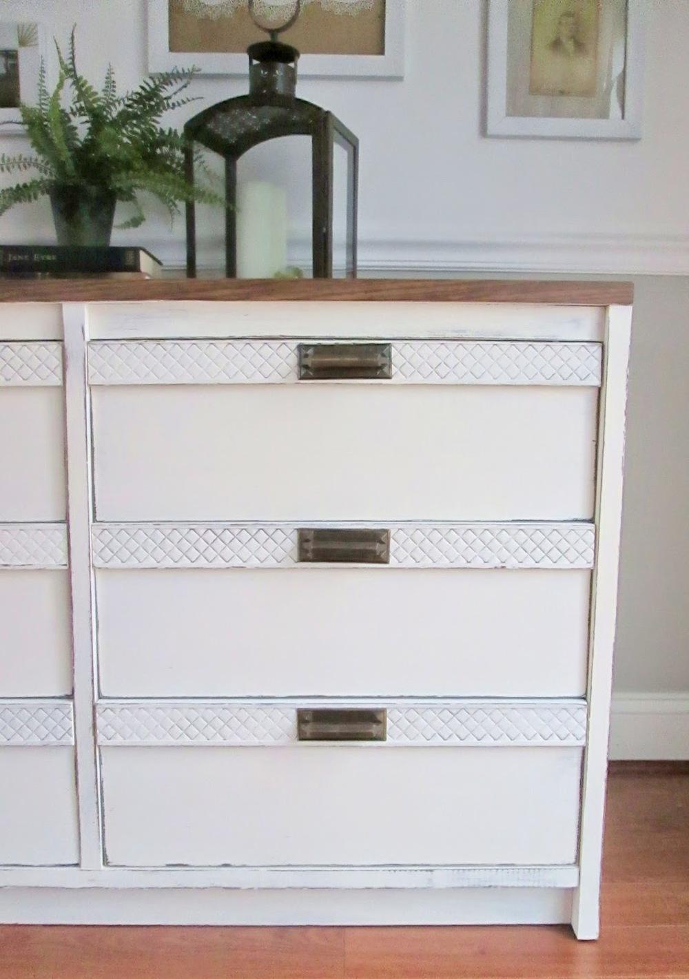 old+white+dresser3.jpg