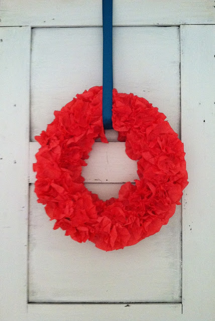 crepe+wreath01.jpg