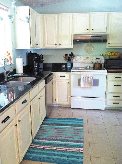 kitchen+001.jpg