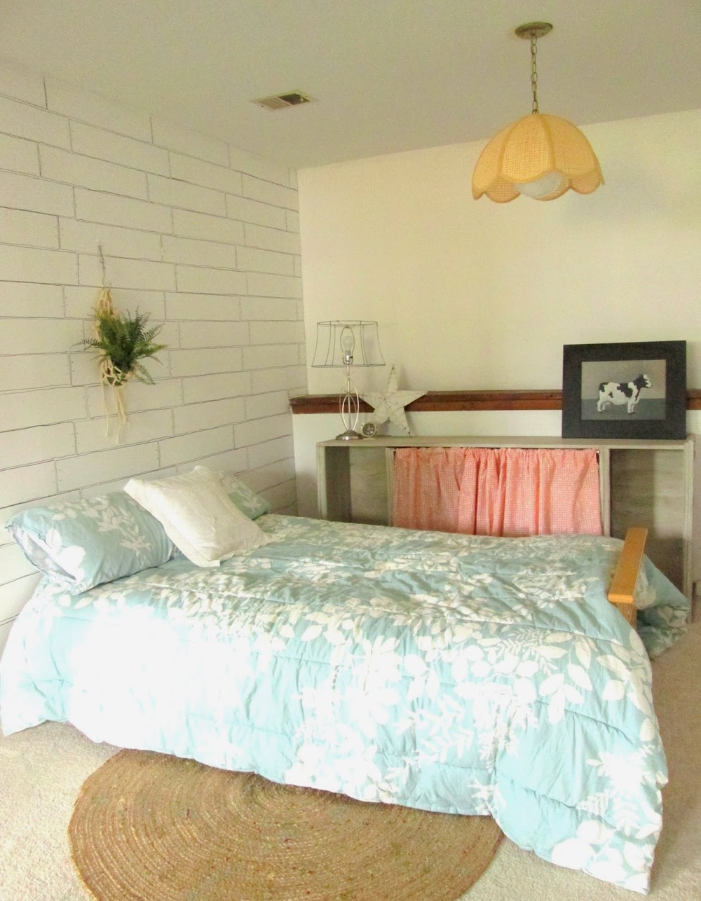 guest+room+wall3.jpg