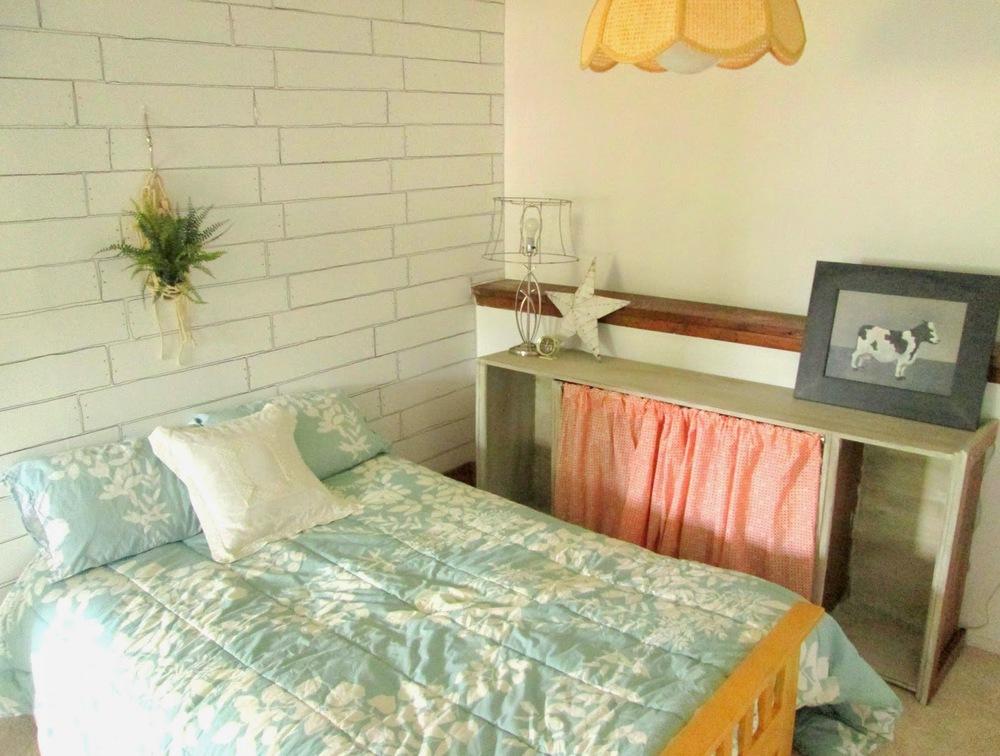 guest+room+wall10.jpg