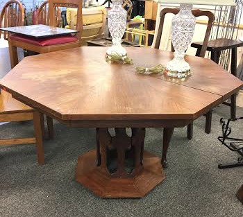 Salvaged rustic farm table do it yourself stylemutt home salvaged rustic farm table do it yourself stylemutt home your home decor resource for all breeds of style solutioingenieria Gallery