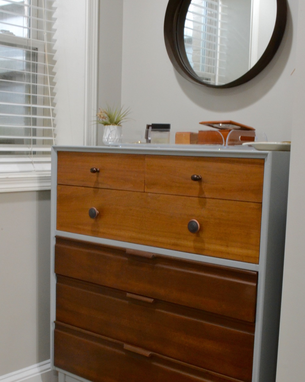 I will be eternally grateful to the woman I found on Craigslist who was selling this dresser. Cate & Chelsea are right... DC Craigslist is a treasure trove.