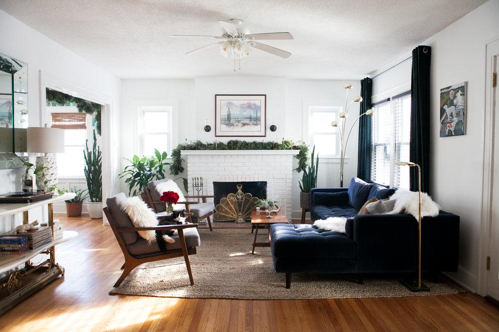 03_LivingRoom-Stylemutt-Home-Tour-Jessica-Brigham.jpg