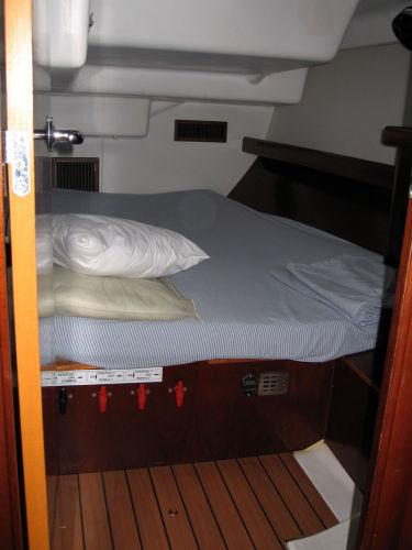 Cabin Aft Port.jpg